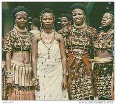 nigerianostalgia:  Nigerian Women, 1970s Vintage Nigeria