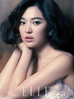 The Style, ELLE Korea, Chanel Haute Couture/Chanel Fine Jewerly. Korean Actress Song Hye Kyo looking fabulous! Song Hye Kyo, Korean Beauty, Asian Beauty, Asian Celebrities, Celebs, Beauty And Fashion, Elle Magazine, Korean Model, Korean Actresses
