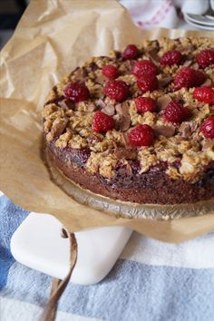 Herrhavreflarn - Autumn Kladdkaks-culinary pie with raspberries and chocolate. Fika, Chocolate Cake, Oreo, Tart, Raspberry, Cheesecake, Goodies, Dessert Recipes, Food And Drink