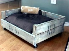 DIY wooden dog beds from Euro pallets | Interior Design Ideas ...