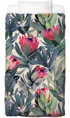 Painted Protea Pattern als Bettwäsche von Micklyn Le Feuvre | JUNIQE