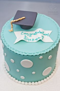 Our bakery in Gainesville, Florida was very honored to help celebrate graduation with custom graduation cakes. Baby Birthday Cakes, 18th Birthday Cake, Graduation Cake Designs, Graduation Ideas, Polka Dot Cakes, School Cake, Blue Cakes, Graduation Celebration, Cake Images