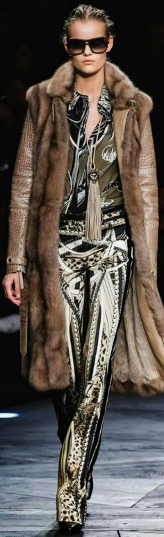 Roberto Cavalli Fall / Winter Ready-To-Wear 2014-15