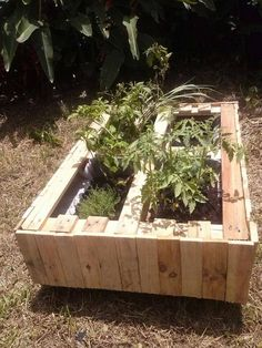 Pallet planter #Garden, #Pallets, #Planter, #Recycled