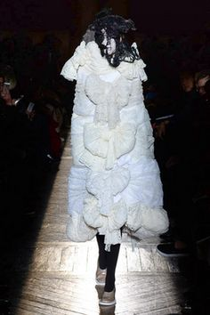 Comme des Garçons Fall 2015 Ready-to-Wear Fashion Show: Complete Collection - Style.com