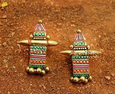 Anika Terracotta Jewellery Making, Terracotta Jewellery Designs, Terracotta Earrings, Funky Jewelry, Diy Jewelry, Handmade Jewelry, Jewelry Design, Jewelry Making, Fabric Earrings