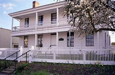 Monteith House, Albany (1849 house/museum) - most authentically restored Pioneer Era home in Oregon