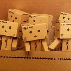 I really want a Danbo figure... Aliexpress.com : Buy Free shipping (3pcs pack)Lovely Danboard Danbo Doll Mini Figure Toy Assembled Danbo Model Cute Cartnoon Toy in 8cm from Reliable DIY toy suppliers on NewstyleLive Paper Robot, Cardboard Robot, Cartoon Toys, Cute Cartoon, Box Robot, Amazon Box, Danbo, Cheap Toys, Kraft Paper