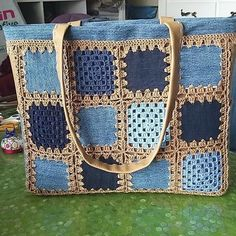Best 11 Bebekbattaniyesi Örgüelbise C Örgüelbise - Diy Crafts - Marecipe Free Crochet Bag, Crochet Fabric, Crochet Tote, Crochet Quilt, Crochet Handbags, Crochet Purses, Crochet Patterns, Crotchet Bags, Knitted Bags