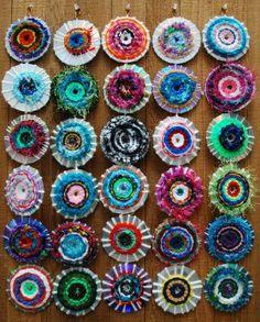 Make It... a Wonderful Life: More CD Weaving...