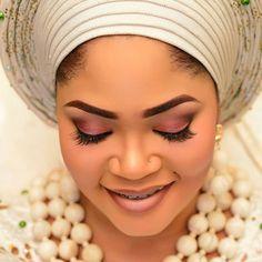 Beautiful #asoebi #asoebispecial #speciallovers #wedding #makeoverBy @meekness #beadedjewelryby @bims_world #asookeby @asolasoke #capturedby @klalaphotography