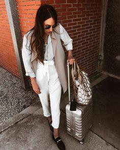 Looks viajar aeropuerto Ootd, Travel Style, White Jeans, That Look, Street Style, Instagram, Jackets, Pants, Clothes