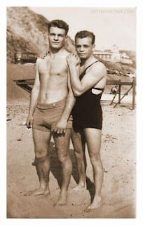 20 Sweet, Tiny Vintage Photos Of Gay Couples