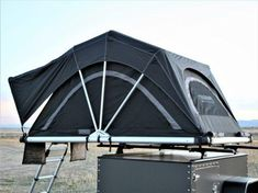 All new insulated roof top tent for all four seasons! This tent is perfect for those who won't let a little cold weather stop them from adventuring. Tenda Camping, Camping Glamping, Camping Life, Camping Hacks, Outdoor Camping, Camping Kitchen, Camping Cooking, Roof Top Campers, Pop Up Truck Campers