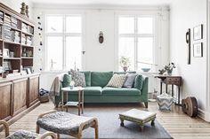 Binnenkijken in Zweeds appartement met botanic interieur | Woonguide.nl