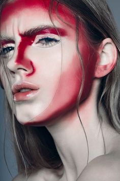 Make-up rot Make-up: Tamriko Levchenko Fotograf: Alexander Buts - - Bilden - Makeup & Beauty Red Makeup, Crazy Makeup, Beauty Makeup, Hair Makeup, Beauty Tips, White Face Makeup, Eyeshadow Makeup, Hair Beauty, Make Up Looks