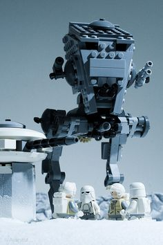 Dramatic LEGO Recreations of Star Wars and Indiana Jones Lego Star Wars, Star Wars Art, Indiana Jones, Lego Stormtrooper, Starwars Lego, Van Lego, Lego Mechs, Lego Construction, Lego Worlds