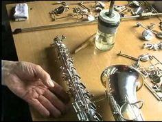 Reparacion de saxofones - YouTube