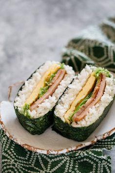 BLT onigirazu rice sandwich on a plate Omurice Recipe, Tempura Recipe, Carrot Salad Recipes, Veggie Recipes, Asian Recipes, Rice Sandwich Recipe, Japanese Rice Dishes, Japanese Food, Japanese Recipes