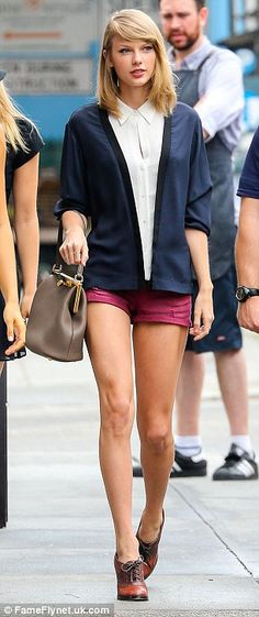 #casualwear #streetstyle | Taylor Swift
