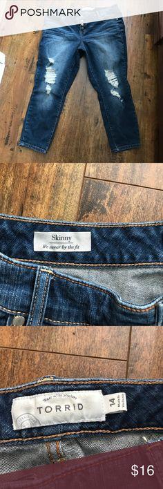Torrid skinny crop jeans Cute button fly cropped skinny fit worn twice torrid Pants Ankle & Cropped