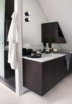 Stylish House in Oslo, bathroom, black, white, design, decor, interior