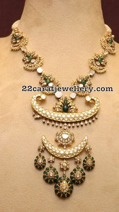Latest Collection of best Indian Jewellery Designs. Indian Jewelry Sets, Indian Wedding Jewelry, India Jewelry, Bridal Jewelry, Indian Bridal, Gold Jewelry Simple, Stylish Jewelry, Modern Jewelry, Antique Necklace