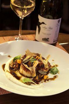 10 Chefs 10 Portuguese Wineries - Wine/Food Pairing: Sirio Scallops with black truffle sauce + Luis Pato Vinhas Velhas