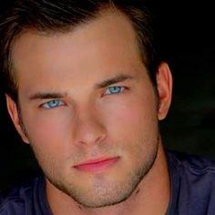 Beautiful Blue Eyes, Beautiful Men Faces, Pretty Eyes, Gorgeous Men, Beautiful People, Beautiful Pictures, Male Eyes, Male Face, People With Blue Eyes