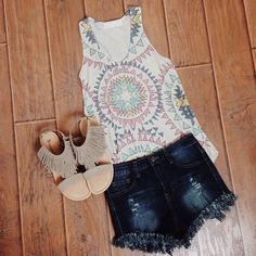 """Can't go wrong with denim shorts, fringe sandals and patterned tanks! #lizardthicket #lizardthicketboutique #boutique #spring #summer #want #need #style…"""