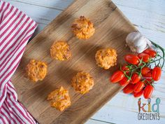 Yummy pizza mini muffins, perfect for the lunchbox, freezer friendly, kid friendly and so very tasty! Make these today for grab and go lunches!