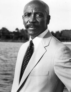 Louis Cameron Gossett, Jr. (born May 27, 1936) is an American actor. He is perhaps best known for his Academy Award-winning role as Gunnery Sergeant Emil Foley in the 1982 film An Officer and a Gentleman, and his Emmy Award-winning role as Fiddler in the 1977 ABC television miniseries Roots. Louis Gossett Jr, An Officer And A Gentleman, Famous African Americans, Good Looking Actors, Beautiful People, Amazing People, Movies Showing, American Actors, Male Celebrities