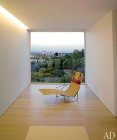 Interior view of the Los Angeles House by John Pawson.