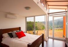 It cost only $40,000 to build. | 23 Surprisingly Gorgeous Homes Made From Shipping Containers