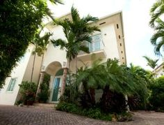 Vacation rental in Miami Beach from VacationRentals.com! #vacation #rental #travel sleeps 16 with 7 bedrooms