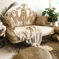 Boho Bedroom Discover Preorder for May 2020 Arrival! Classic Peacock Rattan New King & Queen Headboard Rattan Daybed, Rattan Furniture, Bedroom Furniture, Home Furniture, Furniture Design, Bedroom Decor, Unusual Furniture, Wicker Headboard, Daybeds