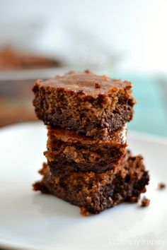 These Almond Butter Brownie Bars are the perfect mixture of deliciousness. Made with all-natural ingredients, they make an ultimate little healthy treat.
