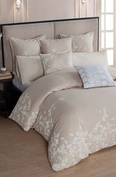 beautiful duvet cover and shams http://rstyle.me/n/wqgbspdpe