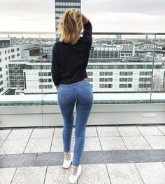 Do you have a favorite city? I had 2 wonderful days in B Sexy Jeans, Skinny Jeans, Lisa Del Piero, Girls Jeans, Mom Jeans, Tights Outfit, Jeans Style, Balmain, Ulzzang