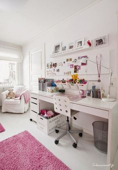 37 Amazing Teen Girl Bedroom Decor Ideas - If you're browsing for teen bedroom ideas, think of just what your teen enjoys and also see their bedroom via their viewpoint. Girls Bedroom Colors, Girl Bedroom Designs, Design Bedroom, Girls Bedroom Ideas Ikea, Bedroom Ideas For Small Rooms For Girls, Bedroom Design For Teen Girls, Bedroom Girls, Bedroom Desk, Dream Bedroom