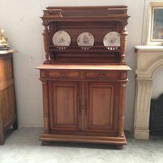 desserte en noyer massif à colonnes détachées partie supèrieur galerie partie basse deux portes deux tiroirs  XIX  siècle