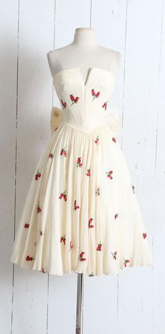 Vintage 1950s Dress vintage rosebud applique crepe dress