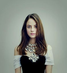 Pretty Faces & Redheads Too! I am a guy who appreciate the simple beauty of so many pretty faces. Kaya Scodelario, Beautiful Celebrities, Beautiful People, Beautiful Women, Woman Crush, Hottest Photos, Hollywood Actresses, Pretty Face, Girl Crushes