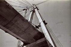 Puente Internacional San Roque González de Santa Cruz que conecta la Ciudad de Posadas con la vecina Encarnación - Paraguay.   Esta obra obtuvo el Premio Internacional Puente de Alcántara, a la obra pública más destacada del período (1989-1990).