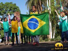 """Na semana da patria as crianças da creche dançaram a musica """"Eu te amo meu brasil"""""""