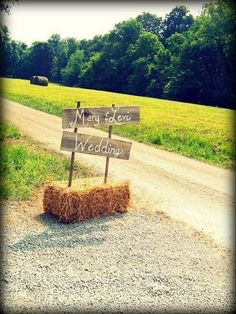 Rustic Wedding Small to big rustic examples to create a most memorable event. rustic chic wedding ideas hay bales chic wedding example reference 5645568876 posted on 20190127 Rustic Wedding Signs, Farm Wedding, Chic Wedding, Perfect Wedding, Dream Wedding, Trendy Wedding, Gold Wedding, Wedding Country, Wedding Signage