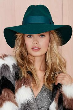 Nasty Gal Covert Wool Hat - Emerald | Shop What's New at Nasty Gal