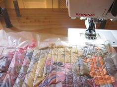 """Cuando trabajo con telas teñidas, me gusta guardar lo que yo llamo """"VIRUTAS DE TELA"""". Que son los bordes muchas veces deshilachados, que sa..."""