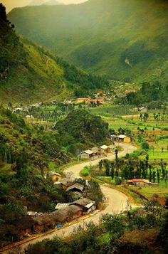 VKTOUR offers adventure travelers some of the typical Vietnam trekking tours such as Sapa trekking tours, Mai Chau trekking tours Village Photography, Landscape Photography, Nature Photography, Scenery Pictures, Nature Pictures, Beautiful Nature Wallpaper, Beautiful Landscapes, Laos, Wonderful Places