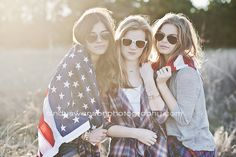 Cindy swanson Photography best friends photo shoot | friends | American flag | posing multiple girls